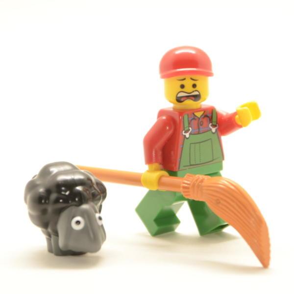 Lego Minifigur Bauer mit schwarzem Schaf (Custom)